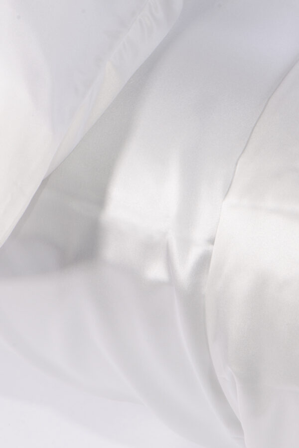 Pillow Case with collagen boosting treatment