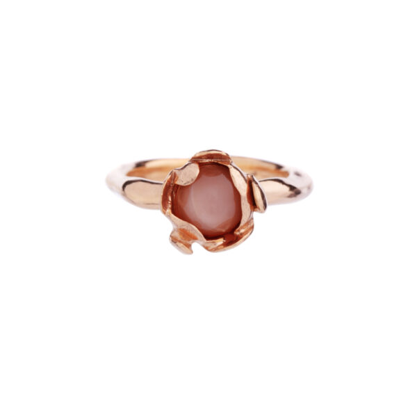 BLOSSOM golden ring with peach moonstone