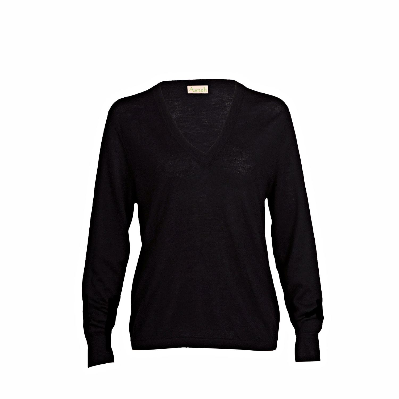 Cashmere V-neck Sweater in Black - fine knit