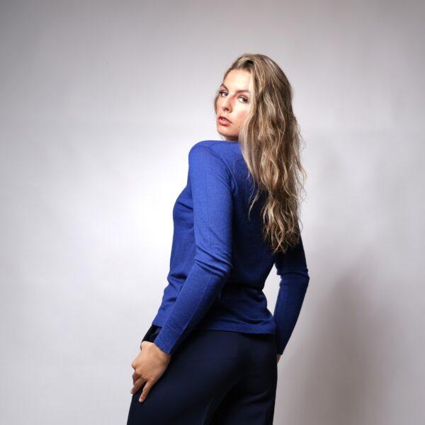 Cashmere V-neck Sweater in Blue - fine knit