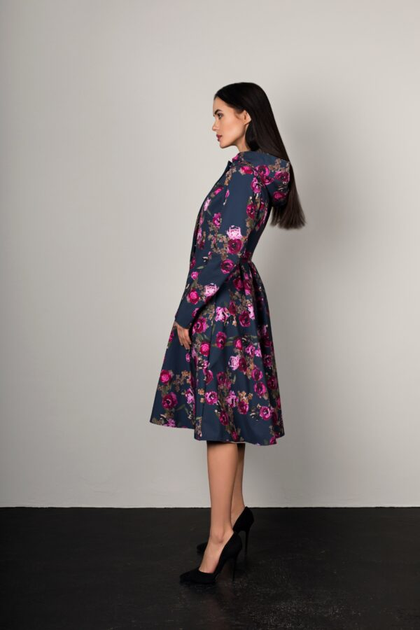 Floral women's raincoat with hood